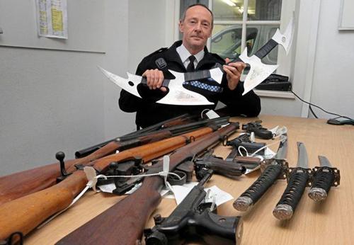фантастический меч сдали в полицию