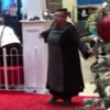 женщина наорала на санта-клауса