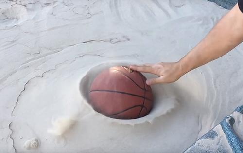 песок превратился в жидкость