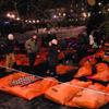 горожане переночевали на улице