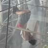 гимнастическое шоу в аэропорту