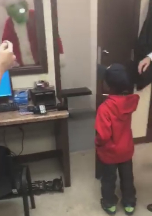 мальчик засадил злодея в тюрьму
