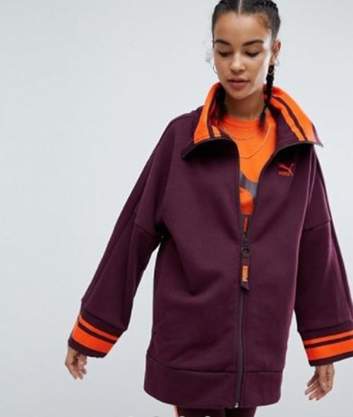 куртка похожа на униформу