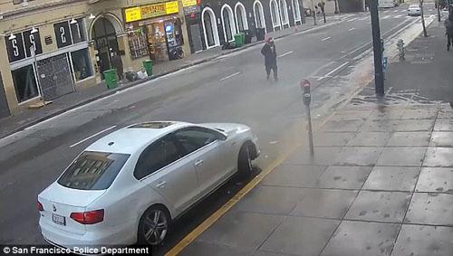 стрельбу на улице никто не заметил