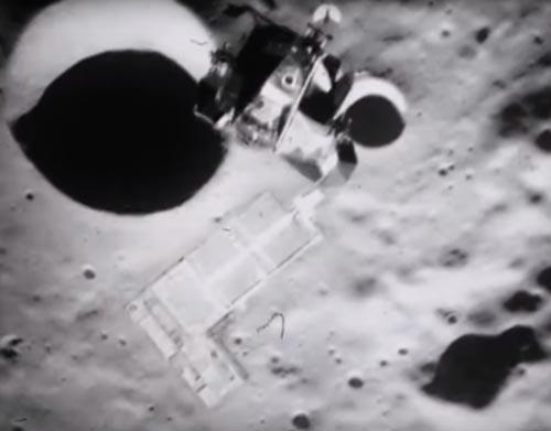 кадры с постройками на луне