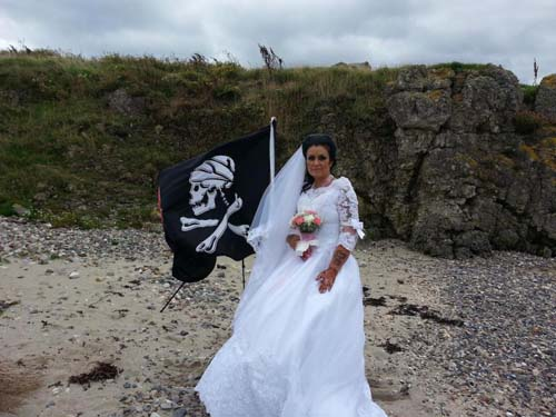 женщина вышла замуж за призрак
