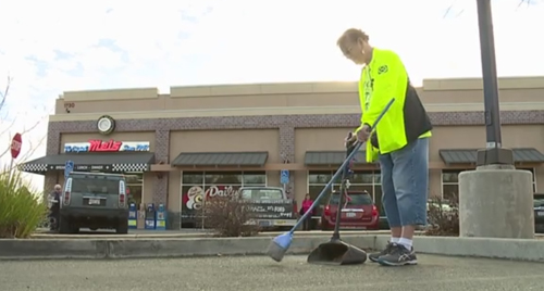 активистка борется за чистоту улиц