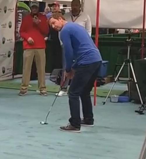 любитель гольфа выиграл деньги