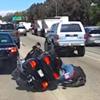 байкер упал и лишился мотоцикла