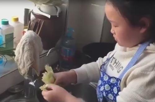юная кулинарка из китая