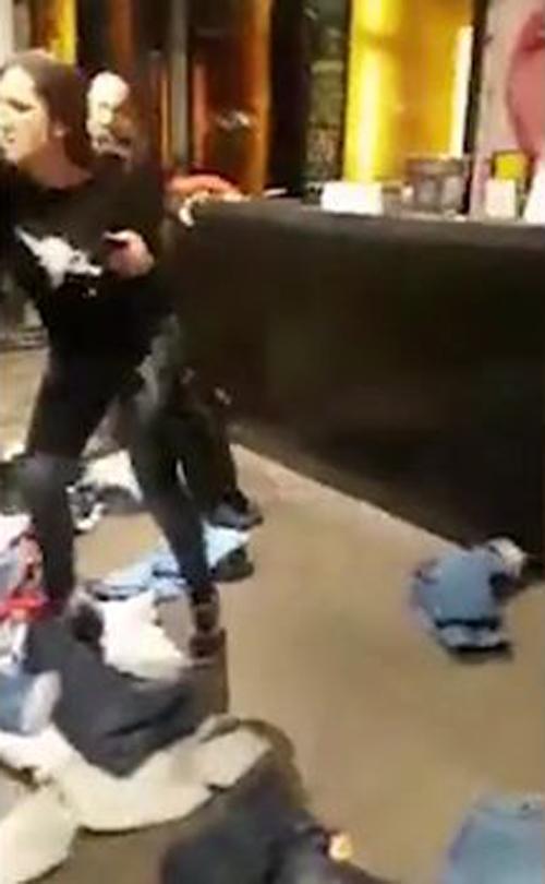покупательница закатила истерику