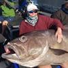 женщина поймала гигантскую рыбу