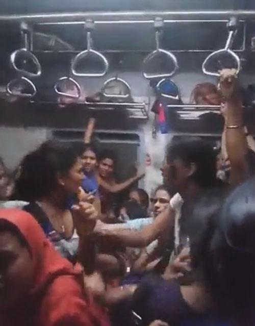 пассажирки поезда подрались