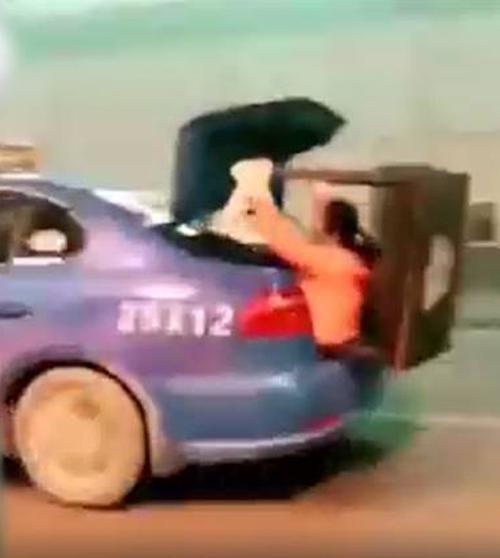 такси с необычным грузом