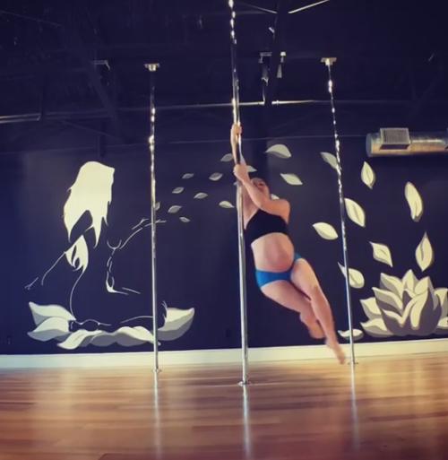 танцы беременной женщины