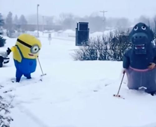 игра в крокет в снегу