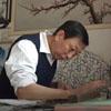 художник рисует пальцами