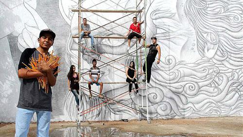 рекордная карандашная фреска