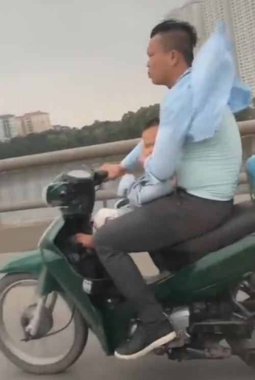опасная поездка с ребёнком