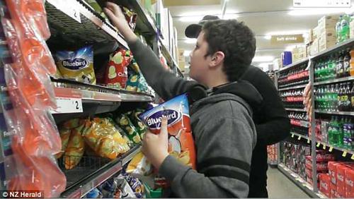 тихие часы в супермаркете