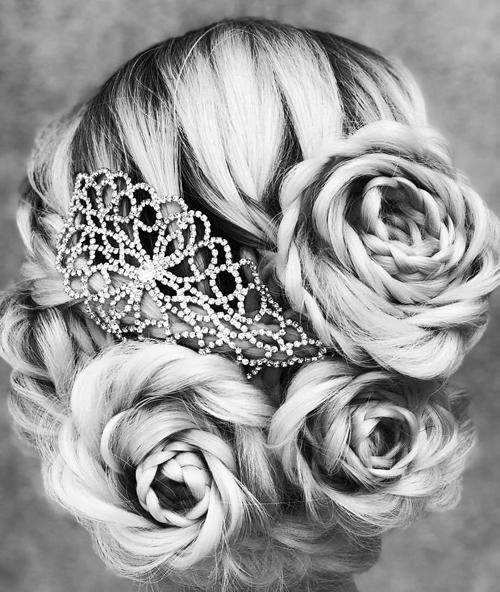 косы в виде роз