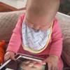 девочка не разобралась с планшетом