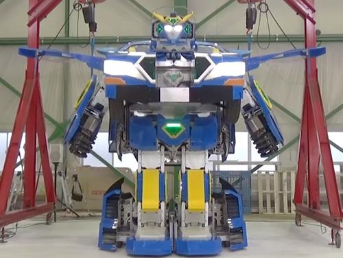автомобиль превращается в робота