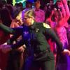 полицейские на школьном балу