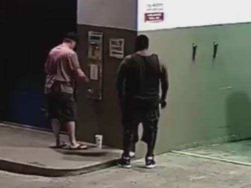 воры украли мелочь на автомойке