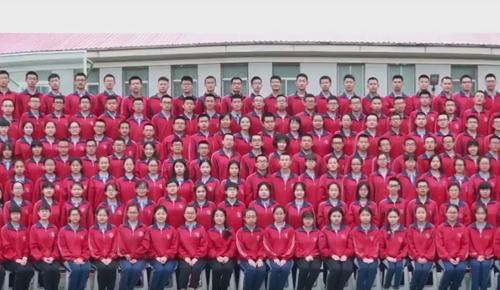 массовая школьная фотография