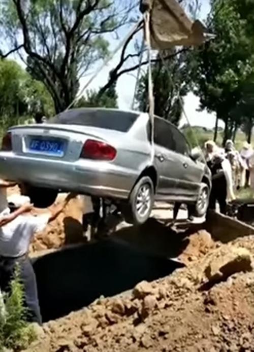 похороны в машине
