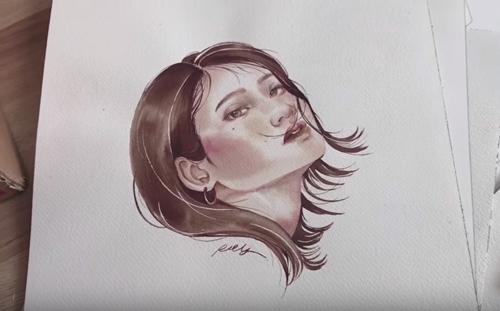 художница рисует кровью
