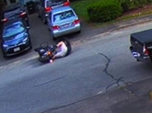 покупатель упал с мотоцикла