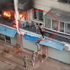 девочки на балконе во время пожара