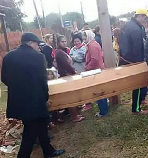 мужчина вернулся на свои похороны