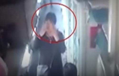 воровка украла телефон в поезде
