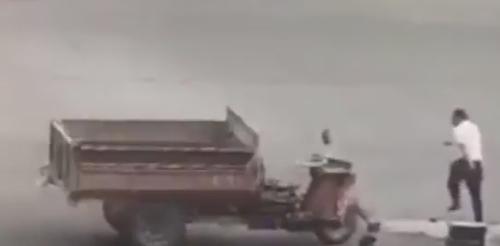 водитель дважды попал под мотоцикл