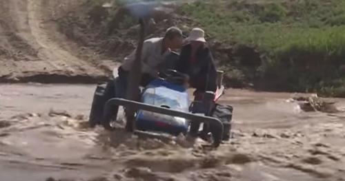 поездка на тракторе по воде