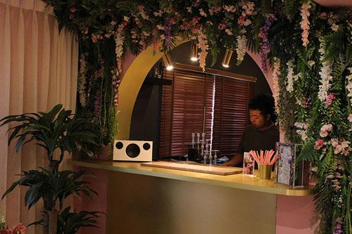 кафе создано специально для женщин