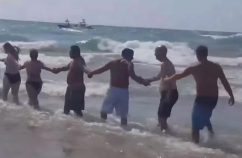 спасение пловцов из озера