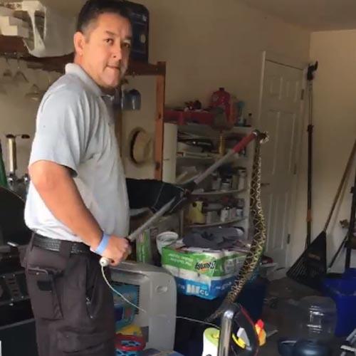 гремучая змея в гараже