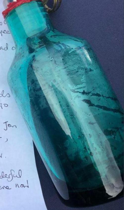 грустное послание в бутылке