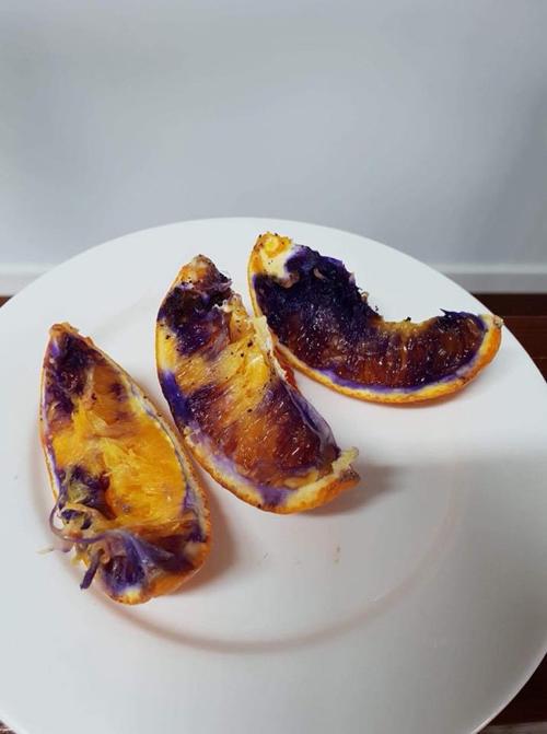 апельсины стали фиолетовыми