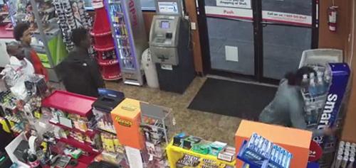 подростки ограбили магазин