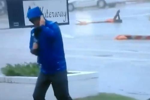 репортёр рассказал об урагане