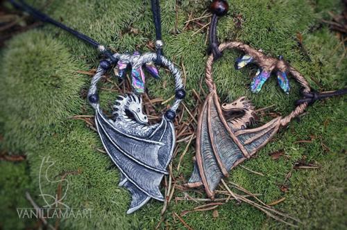 украшения в виде драконов