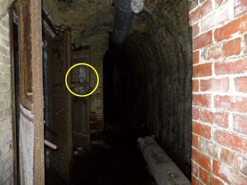 привидения в подземном бункере
