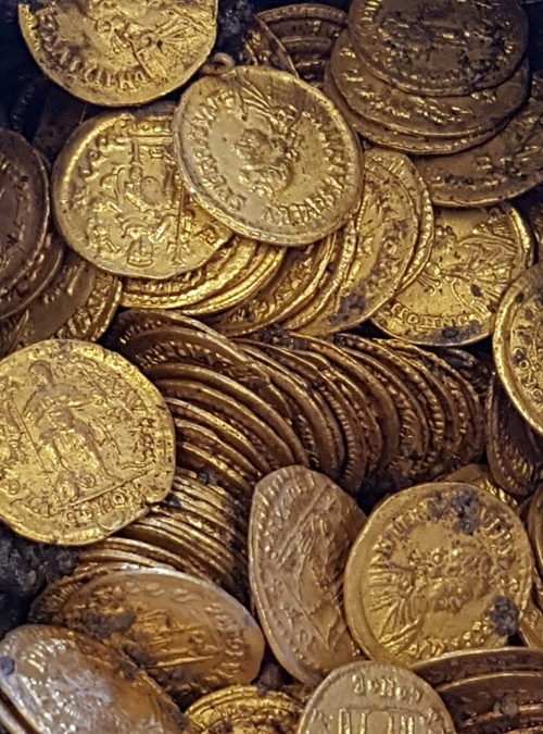 клад из старинных монет