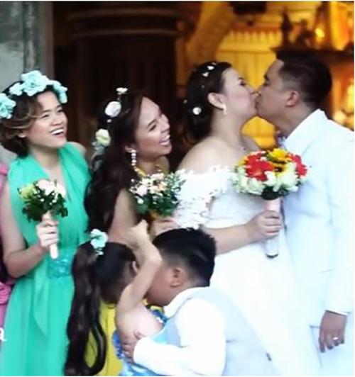 маленький ловелас на свадьбе