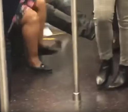 страшная мышка в метро